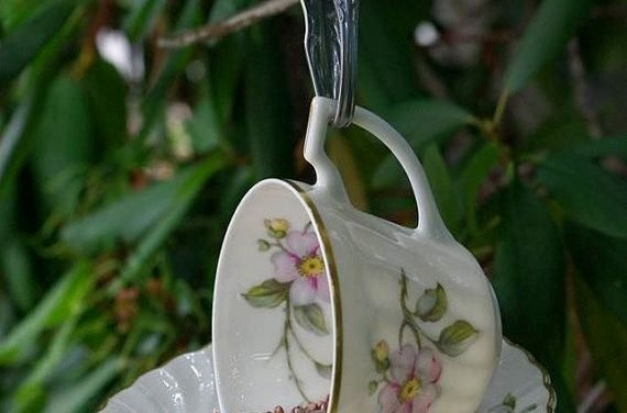 vintage tea cup bird feeder  #gardening art, #gardening for beginners, gardening party, gardening plans  #animals #goat #sheep #dogs #cats